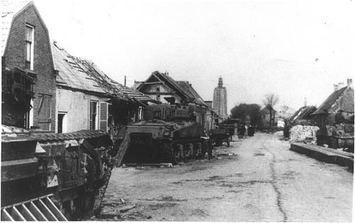 Click image for larger version  Name:Zuidstraat AVRE A3 & Sherman %22Wolf of Badenoch%22 (col. J.C. van Winkelen).jpeg Views:3 Size:114.5 KB ID:116964