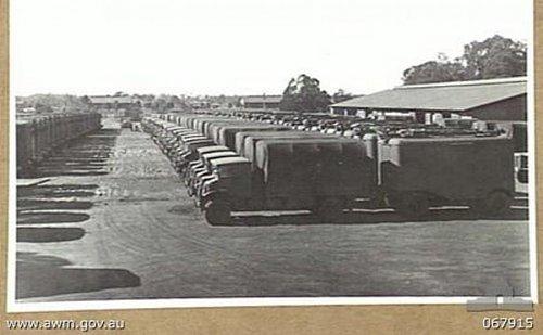 Click image for larger version  Name:067915 MOOREBANK, NSW 1944-07-31.  GL Mk III RADAR. TRUCK C AND TRAILER B (ZP1), NO.3 SUB DEPOT,.jpg Views:12 Size:50.9 KB ID:64606