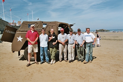 Click image for larger version  Name:2004-06_Arromanches_MLU friends.jpg Views:17 Size:518.4 KB ID:111831