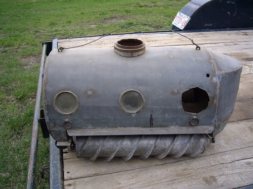 Click image for larger version  Name:Tank 001.jpg Views:732 Size:194.3 KB ID:21534