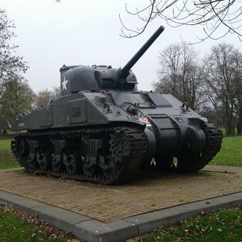Click image for larger version  Name:scherman tank 498 - kopie.jpg Views:13 Size:53.9 KB ID:69525