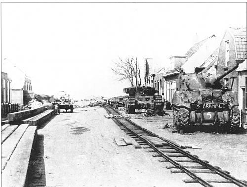 Click image for larger version  Name:na-afloop-tanks-Zuidstraat.jpg Views:1 Size:522.8 KB ID:110204