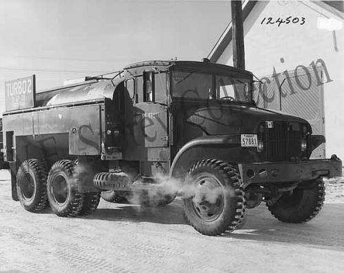Click image for larger version  Name:1955 M207CDN Fuel Tank Truck  57881 ECC 124503 [1] copy.jpg Views:8 Size:56.5 KB ID:124951