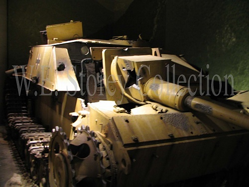Click image for larger version  Name:Destroyed Stug III w.jpg Views:4 Size:139.4 KB ID:100124