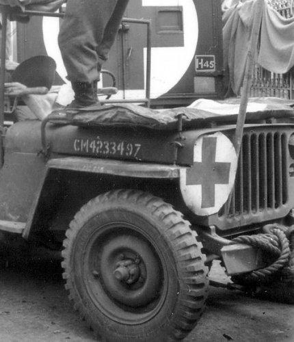 jeep_ambulance1.jpg