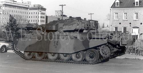Click image for larger version  Name:41-12 FV 4017 Centurion Mk 12 - left hand view, CWM Vehicle, Ottawa - 1981 copy.jpg Views:13 Size:385.8 KB ID:100507
