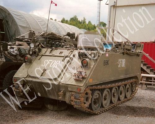 Click image for larger version  Name:381C-7 M113A1CDN AVRL ECC 114801-front left view, Coralici, Bosnia, September 2000 copy.jpg Views:1 Size:637.2 KB ID:103380