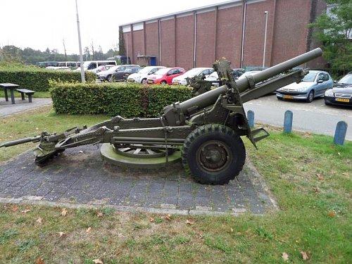 Click image for larger version  Name:SAM_3422 25-pdr Oranjekazerne Holland.jpg Views:2 Size:113.1 KB ID:69594