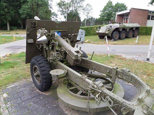 Click image for larger version  Name:SAM_3415 25-pdr Oranjekazerne Holland.jpg Views:2 Size:111.6 KB ID:69597