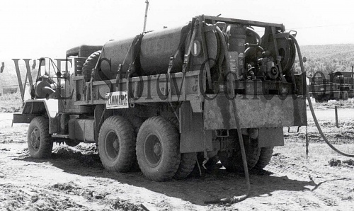 Click image for larger version  Name:33-31 M813 5 ton Truck with Fuel Pods-rear left view, RV 81, Petersville, CFB Gagetown, 1981 cop.jpg Views:3 Size:427.4 KB ID:112998