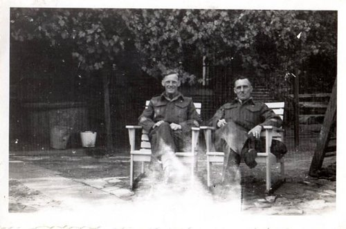 Click image for larger version  Name:zomer van 1945 in Eibergen.jpg Views:53 Size:49.5 KB ID:70144