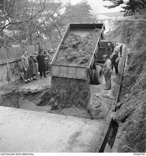 Click image for larger version  Name:HOBJ0346  F60S tipper  Japan  c January 1950.jpg Views:14 Size:71.2 KB ID:69393