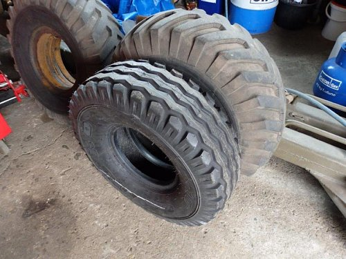 Click image for larger version  Name:6pr tyre 2.jpg Views:3 Size:96.3 KB ID:68931
